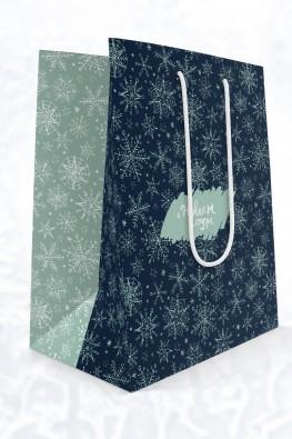 Новогодний бумажный пакет 260x330x120 мм (ШхВхГ). Заказать готовые бумажные пакеты можно в типографии EGF (Еврографика) +7 495 276 0076