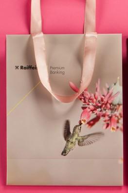 """Бумажный пакет для """"Raiffeisen bank"""" с ручками лентами"""