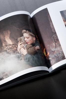 """Иллюстрированная книга Наталии Максимовой """"Край. Дальше ехать некуда"""""""