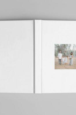 "Фотокнига ""Наша семья"". Размер: 200х200 мм. Твердая обложка."