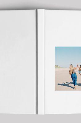 """Фотокнига """"В отпуске"""". Размер: 200х280 мм. Твердая обложка."""
