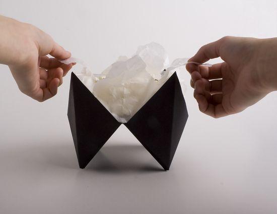 Упаковка, концепт упаковки, дизайнерский конкурс, оригами, многотиражная упаковка, ручная сборка, упаковка своими руками, бумага формата А3, логотип, московская типография Еврографика, отбиговать штампом, фотосессия, минималистичный дизайн, упаковка оригами