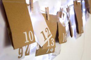 Рождественский календарь, типография, бумажный пакет, конверт, бумажные пакеты с логотипом, бумажные пакеты напечатать к выставке
