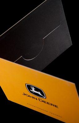 Упаковка для CD и DVD дисков для компании John Deere