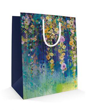 540x395 Праздничный бумажный пакет к 8 марта Райские сады