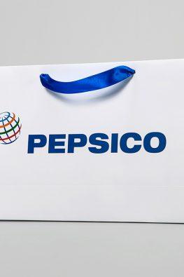 """Бумажный пакет """"Pepsico"""" с ручками лентами"""