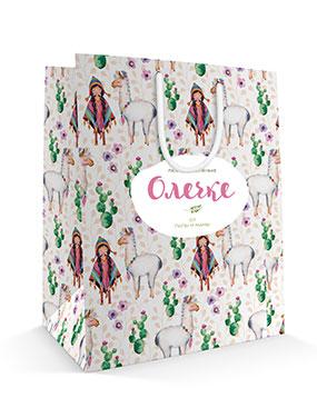Именной праздничный бумажный пакет к 8 марта «Девочка и лама»